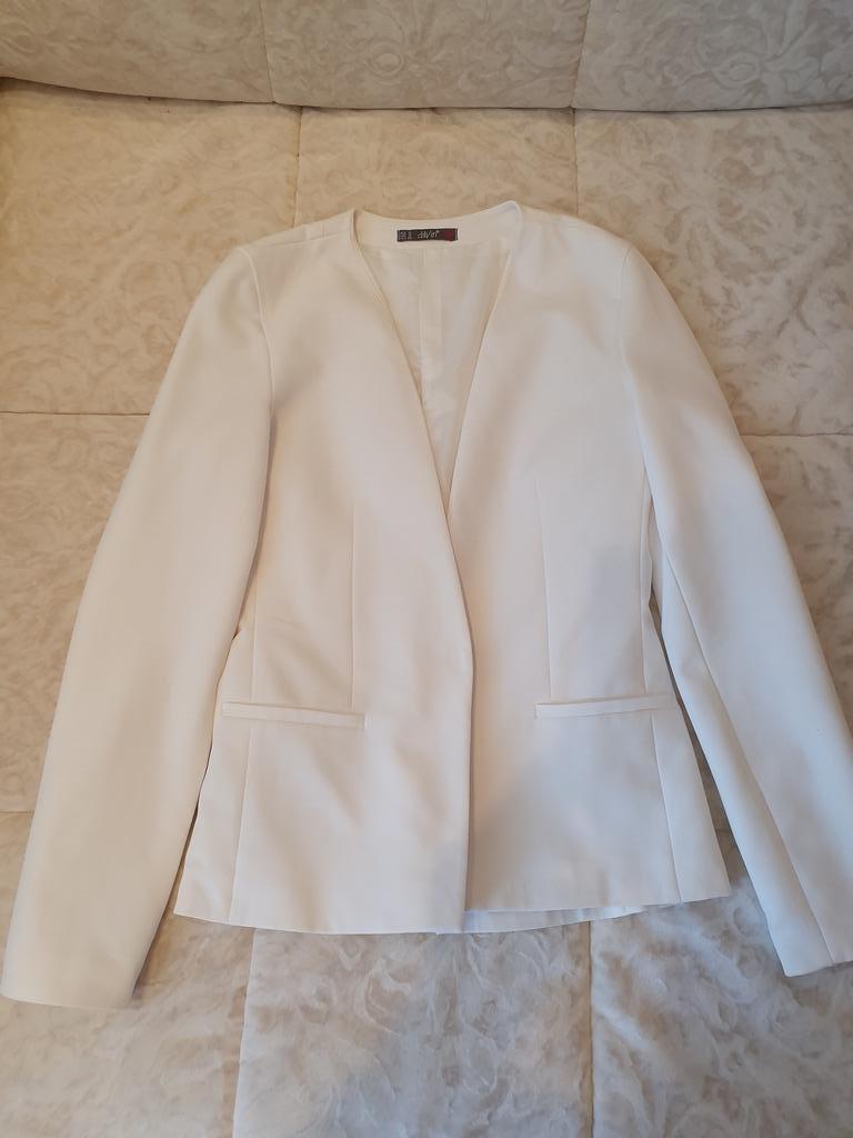 Пиджак белый Dilvin