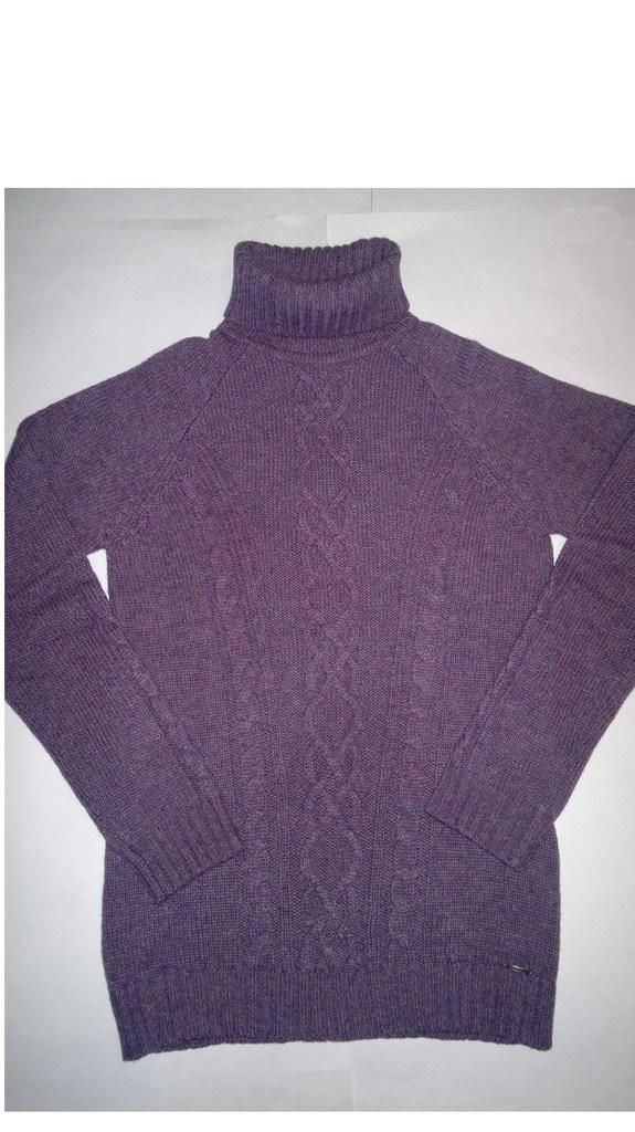 Красивый и тёплый свитер из шерсти!!!