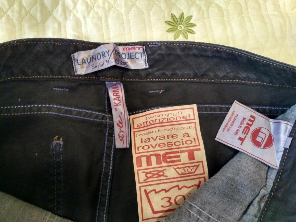 """Итальянские джинсы MET р 30 модель """"клёш от колен"""""""