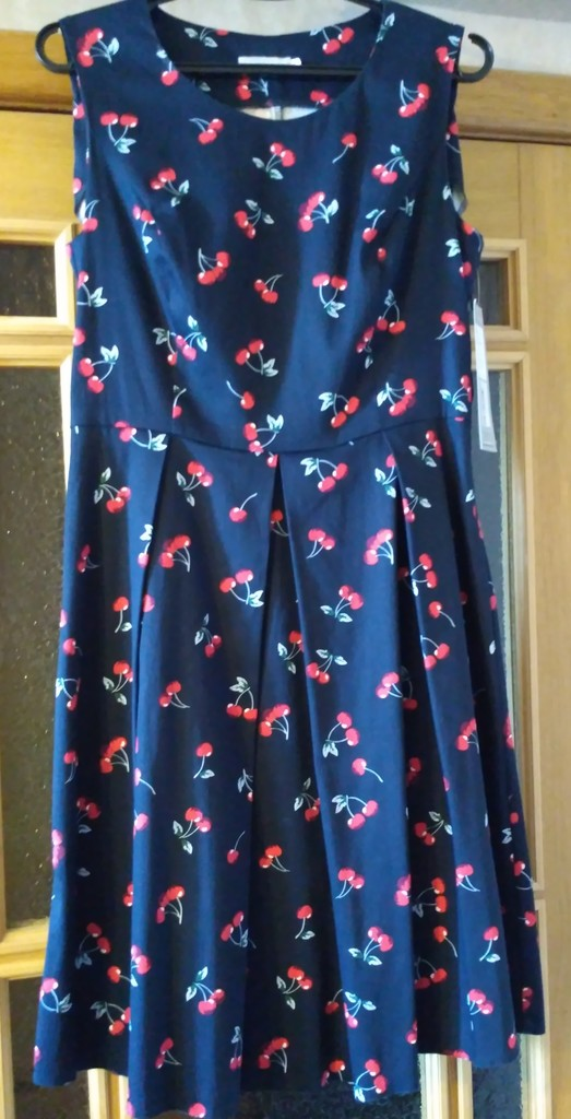 Платье Akimbo размер 48 новое