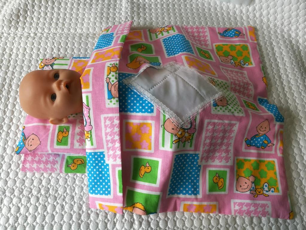 Постелька для кукол