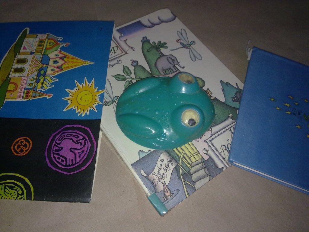 Лягушка пластмассовая ссср игрушка старая советска