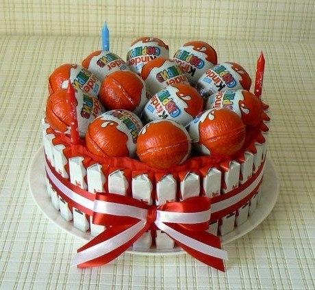 Фото поделок торт из конфет киндер