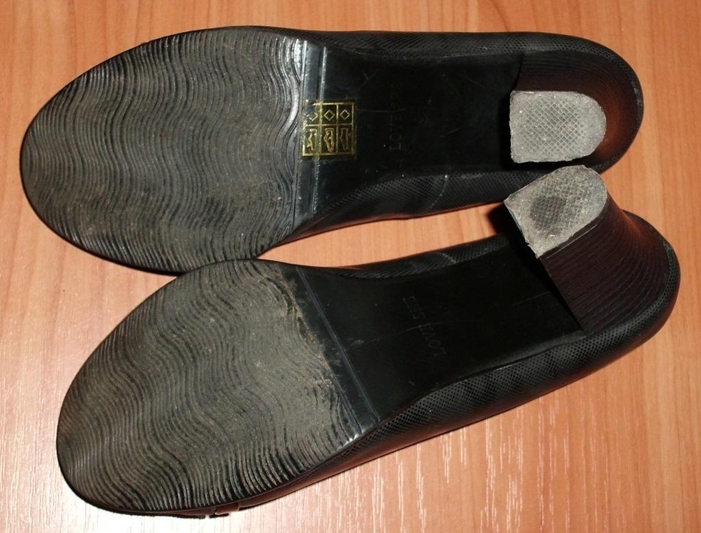 Туфли на каблуках черные р.37 ст. 24.5 см