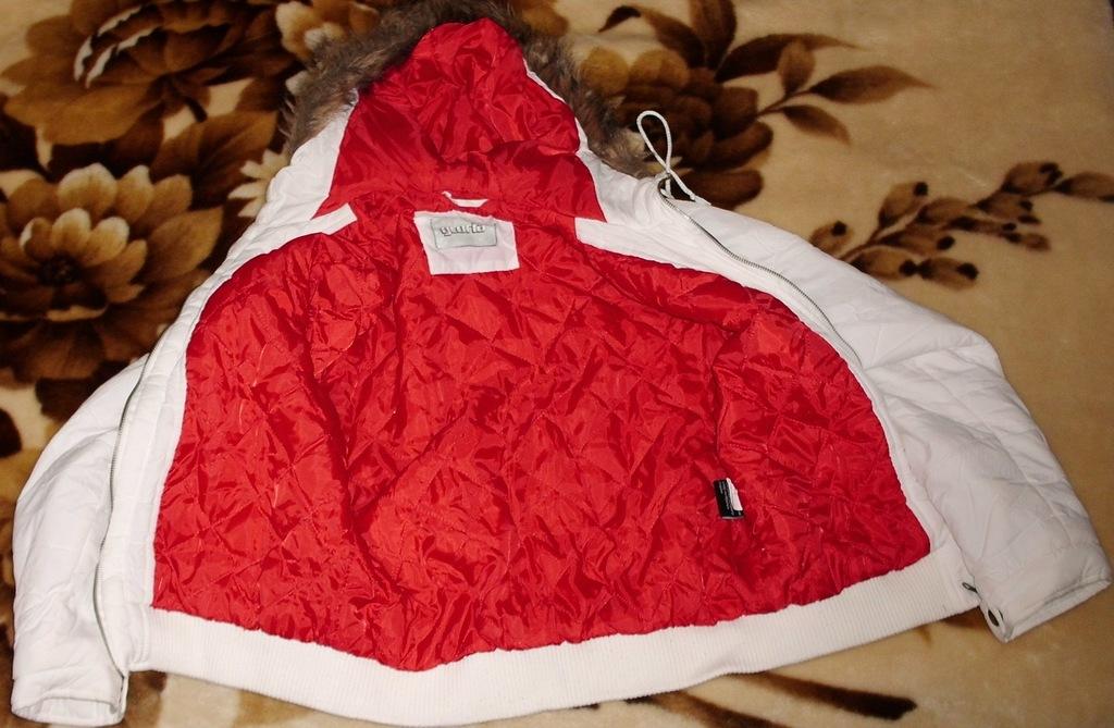 Куртка теплая с капюшоном GLORIA р. 48 ОГ 106