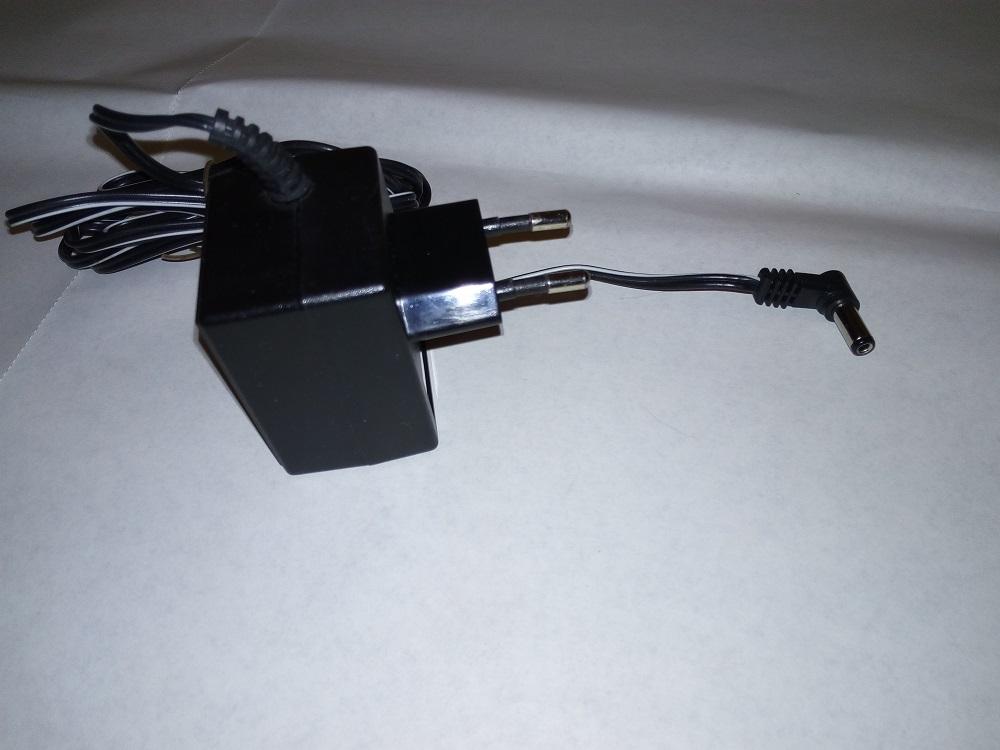 Блок питания HKA-0930EC.