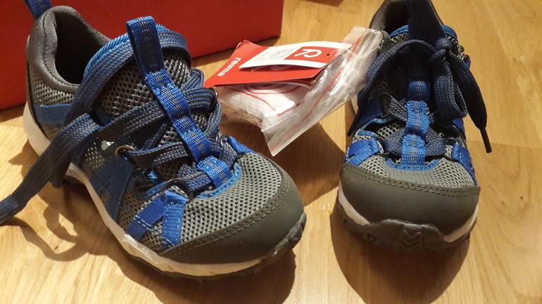 новые легкие кроссы reima