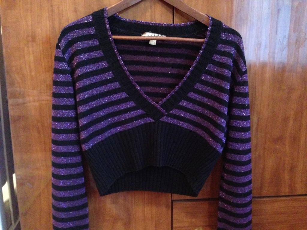 Симпатичный укороченный пуловер 44 - 46 размер