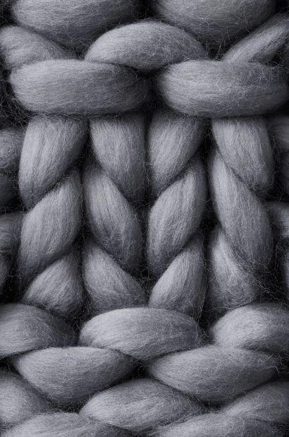 Объемная (толстая)  пряжа из 100% шерсти мериноса