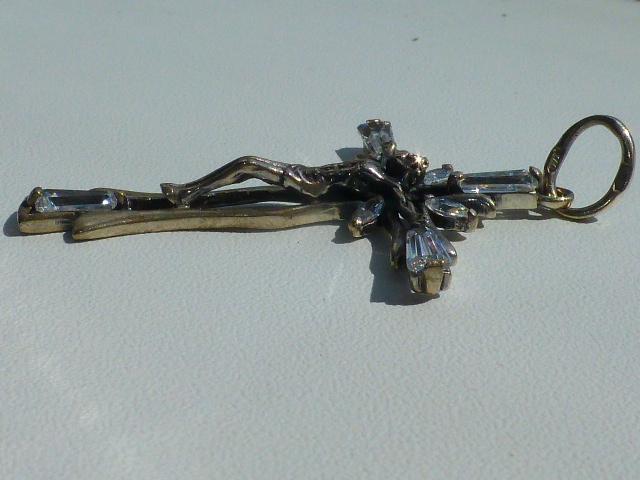 кулон подвеска в виде распятия серебро с цирконами