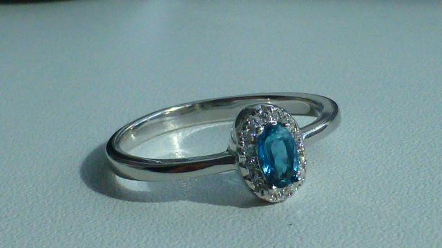 кольцо серебро 925* с топазом и цирконами