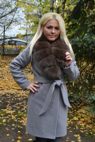 Зимнее пальто с меховым воротником, новое