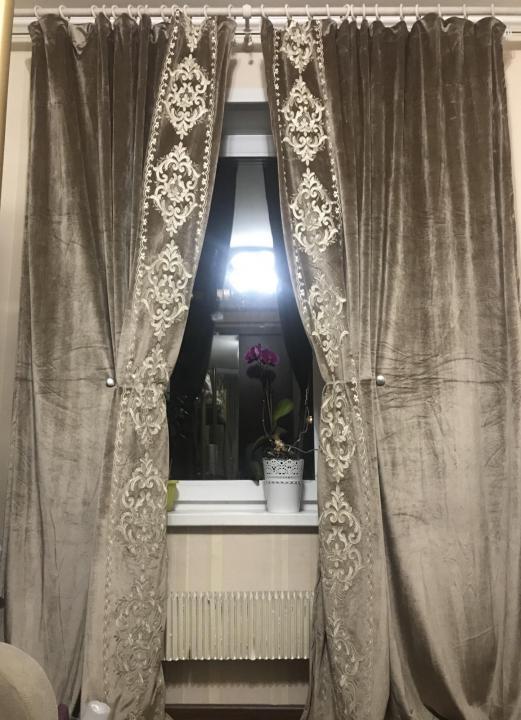 Новые бархатные шторы с вышивкой и стразами
