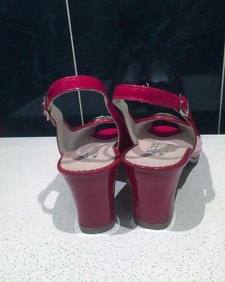 Новые брендовые босоножки Jenny ara Германия 39р