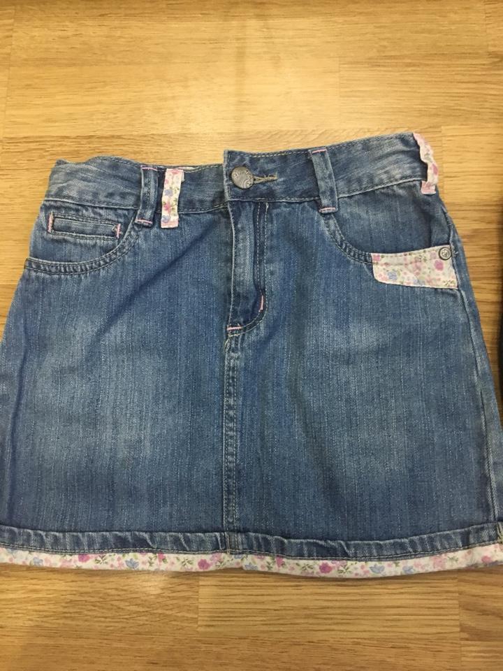 Джинсовые юбки р.134-140 (2 шт.)