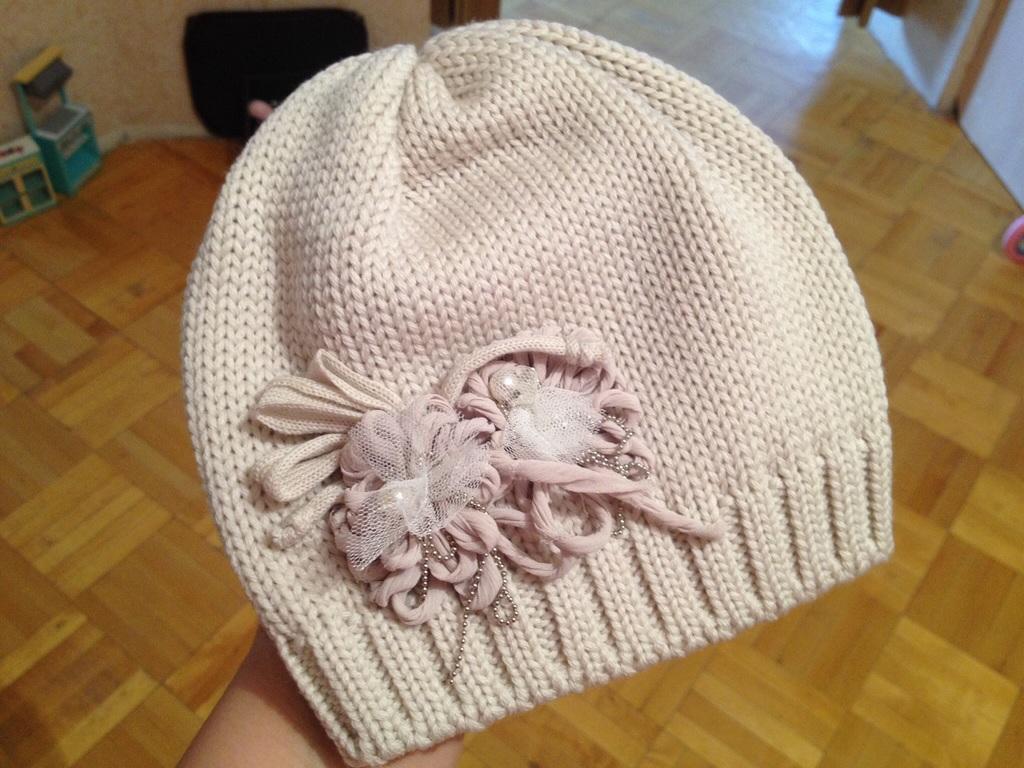 Мноооого шапочек на разные сезоны.Catya и самовяз