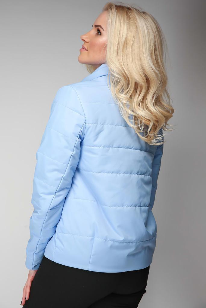 Легкая куртка из плащевой ткани с тонким утеплит.