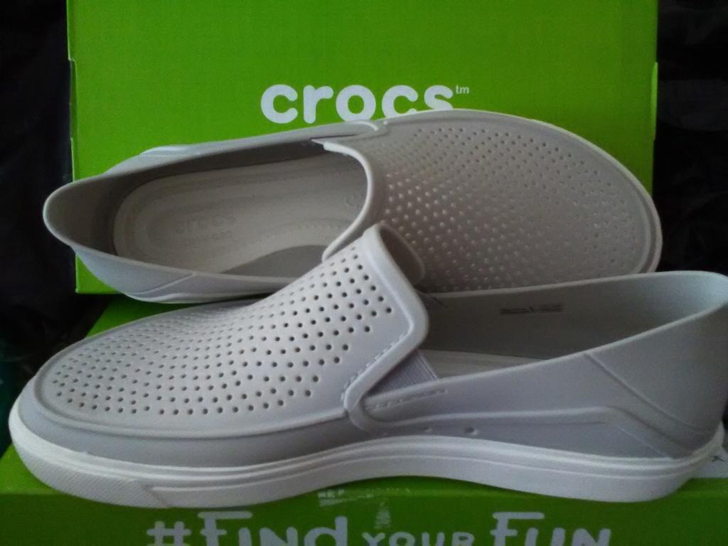 Crocs  Новые фирменные слипоны, оригинал