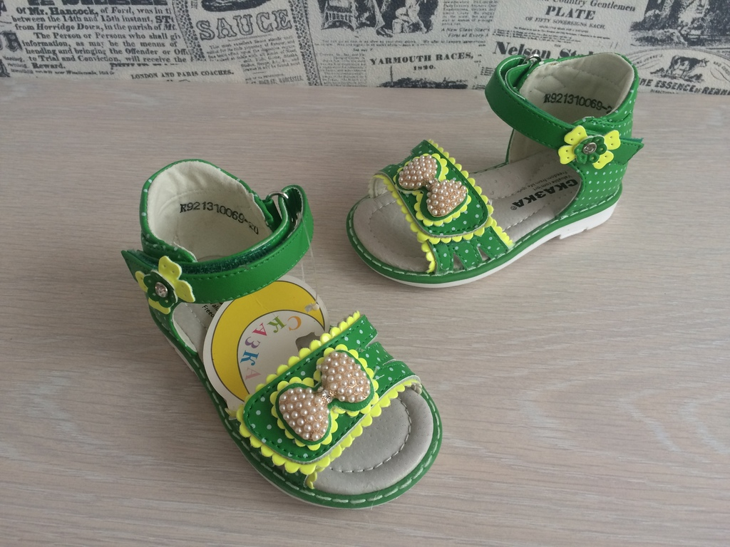 Новые сандалии Сказка для малышек по закуп цене
