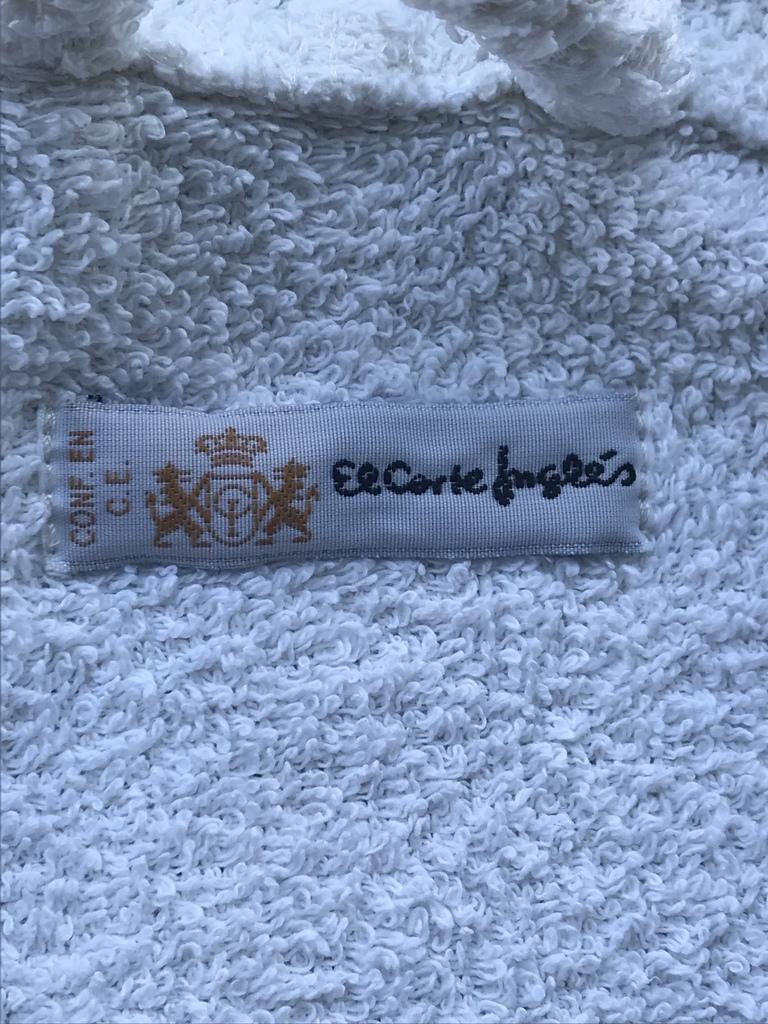 Халат Махровый Белый с капюшоном (Испания) р.S