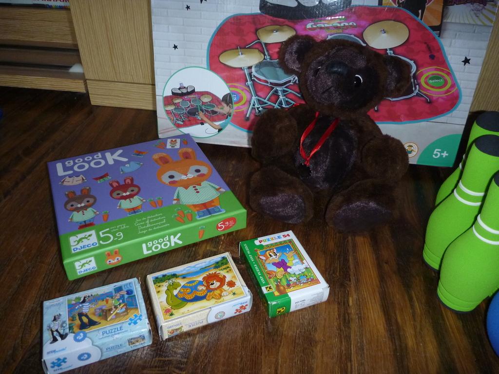 Пакет игрушек новых и в состоянии новых!