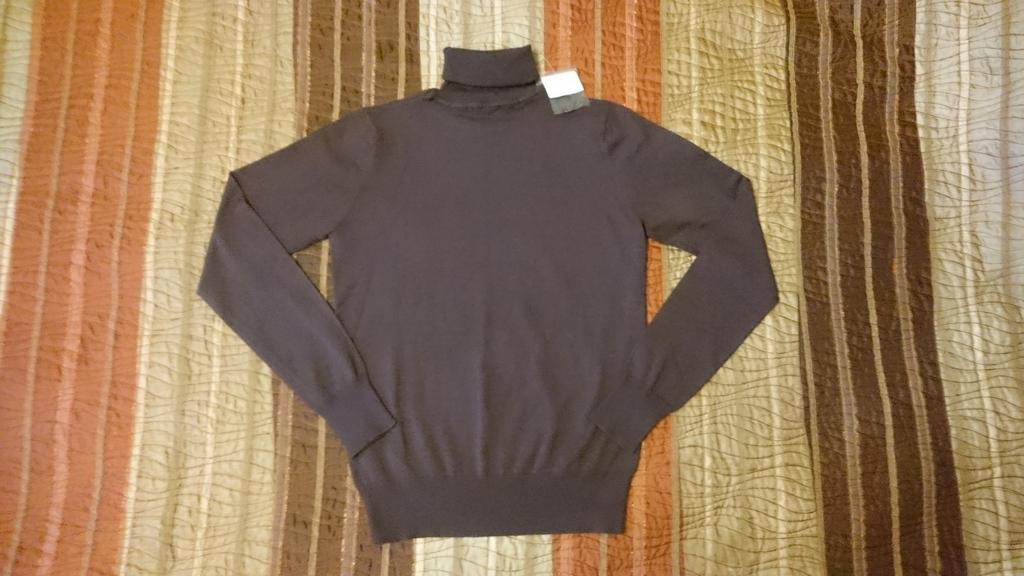 Новый свитер с горлом Oodji.Размер 46.