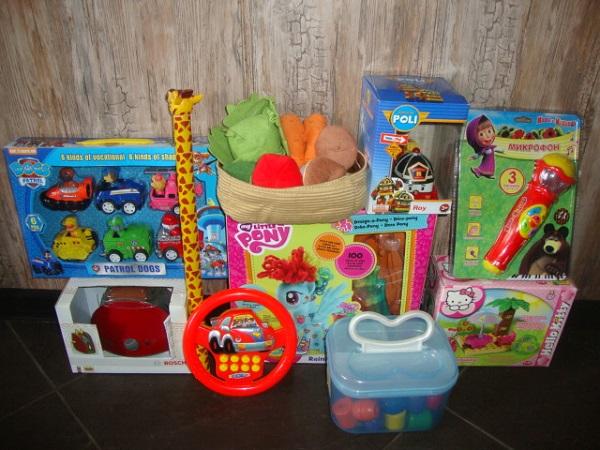 Много развивающих игрушек до 6лет.