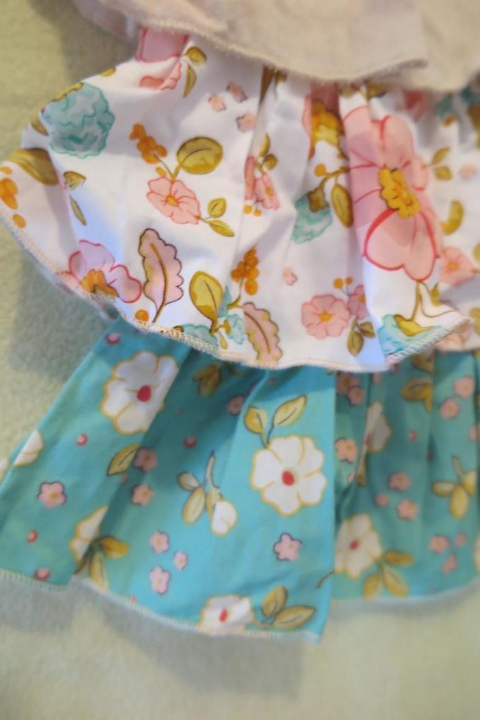 Новый дизайнерский комплект Sado Clothing (США)
