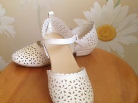 Нарядные туфли 33 размер