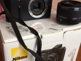 Фотоаппарат Nikon 1 V1 kit Black