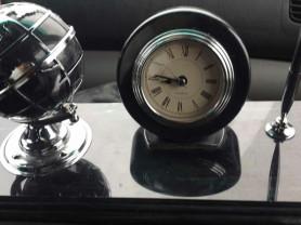 часы настольные с глобусом