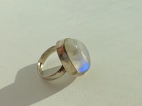 перстень серебро 925* с лунным камнем