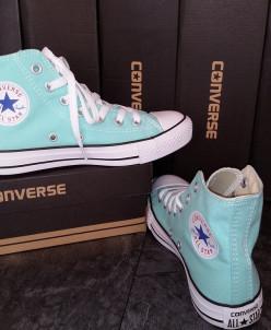 Кеды Converse.