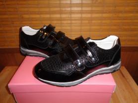 Ботинки для девочки новые