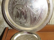 Набор металлических тарелок