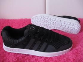 НОВЫЕ дышащие кеды кроссовки Adidas