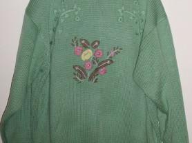 Свитер теплый зеленый с вышивкой - р.56-58