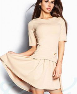 Свободное расклешенное платье
