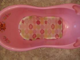 Ванночка розовая и горка сиденьедля купания Geoby