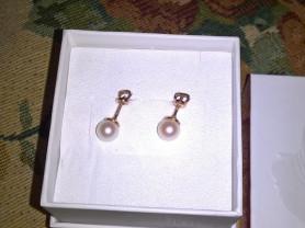 золотые серьги(гвоздики) с жемчугом новые