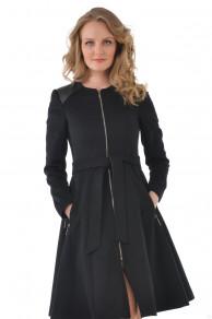 Черное пальто без воротника на замке