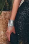 Серебристый браслет-манжета