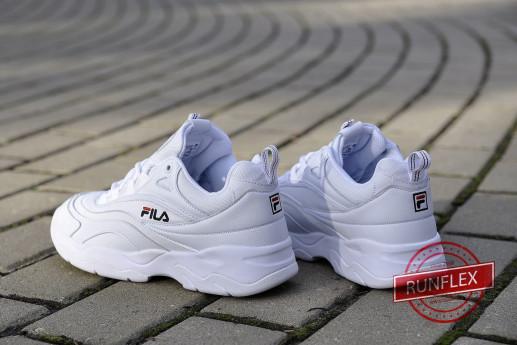 Спортивный стиль с Фила Рэй белого цвета