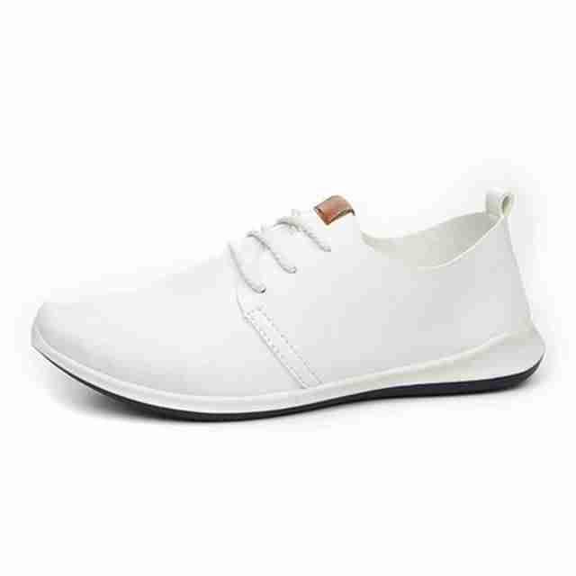edf717fb14f Я бы рассматривала вариант мужской рубашки бирюзового цвета и белых джинсов.  Нашла в интернете такие картинки  а что касается обуви