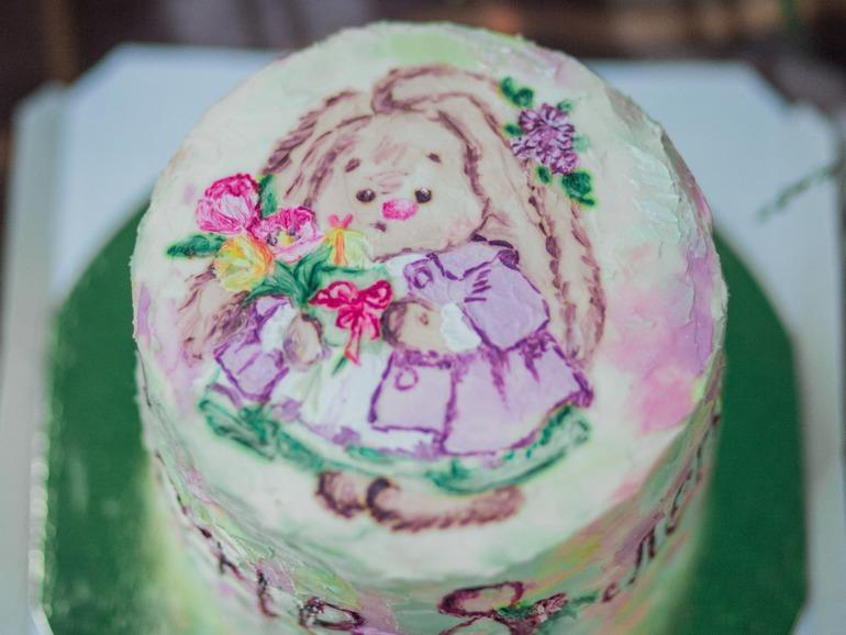 Рисунок на торте красителями на креме, днем ангела зои