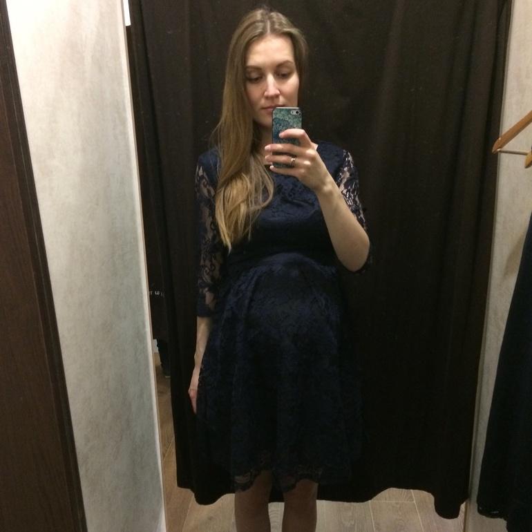 Без колготок в платье